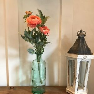 Other - FARMHOUSE style floral statement piece!